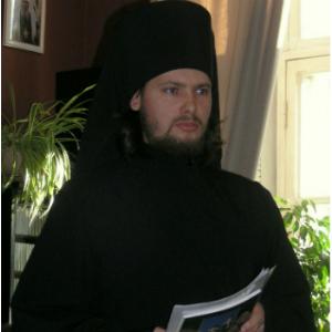 Из бездомных – в монахи