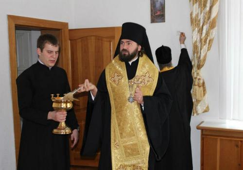 епископ Феофилакт освящает «Дом мамы» в Пятигорске
