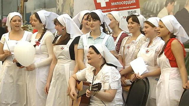 В Москве прошла акция, приуроченная к Международному дню медицинской сестры