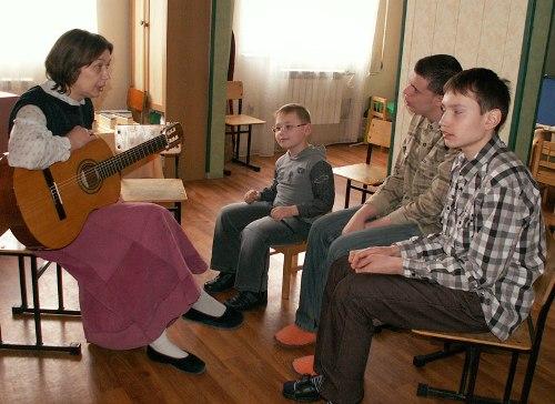 Занятие музыкальной терапией с особыми детьми
