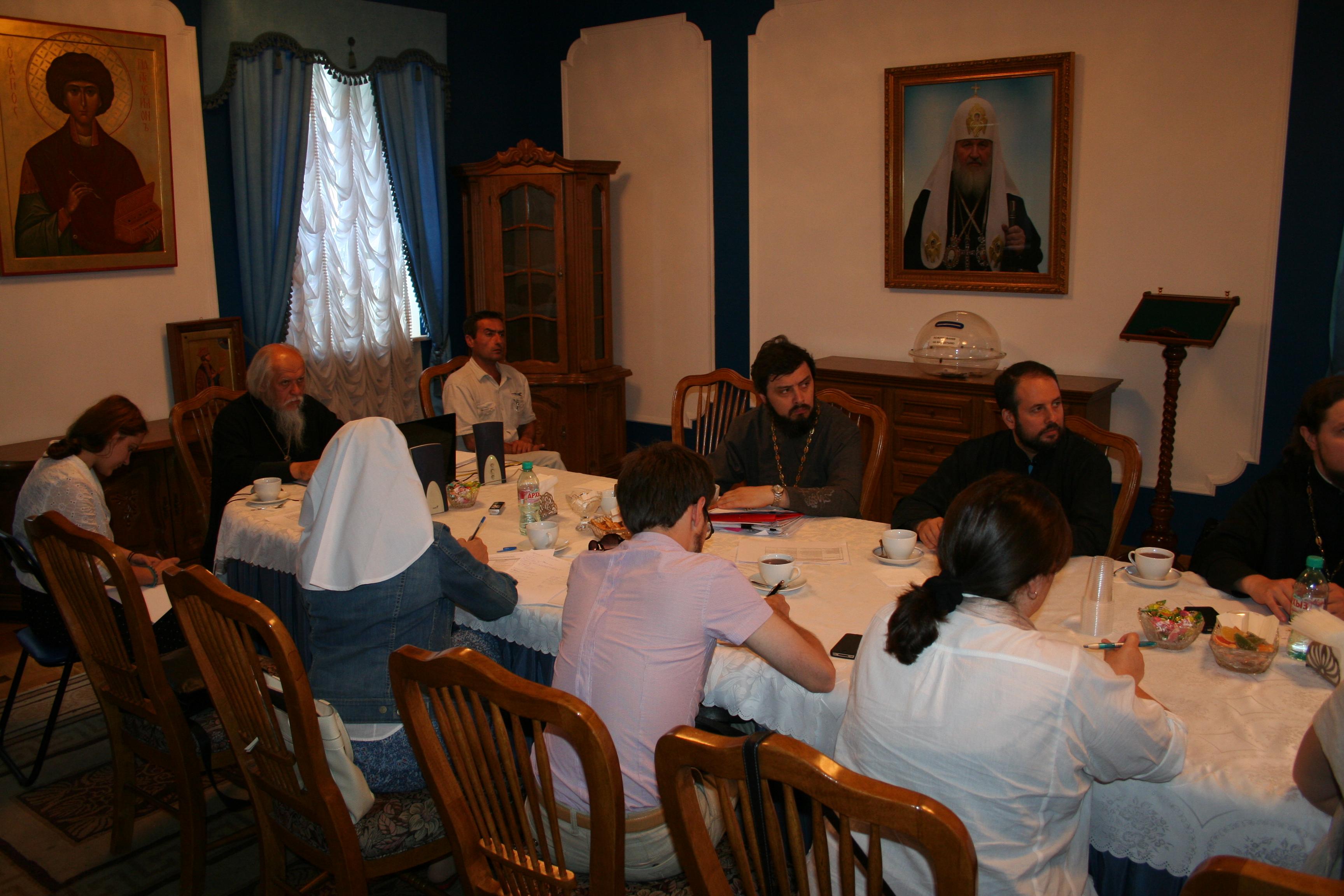 Второе заседание Межведомственной рабочей группы по оказанию церковной помощи беженцам. Фото: А.Андрущенко