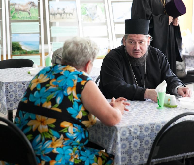 Представители Церкви, прошедшие курсы психологической помощи в ЧС, начали работу в пунктах временного размещения беженцев