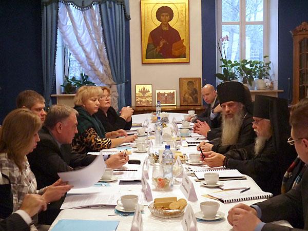 Очередное заседание рабочей группы Государственного антинаркотического комитета и Русской Православной Церкви прошло в здании Синодального отдела по благотворительности