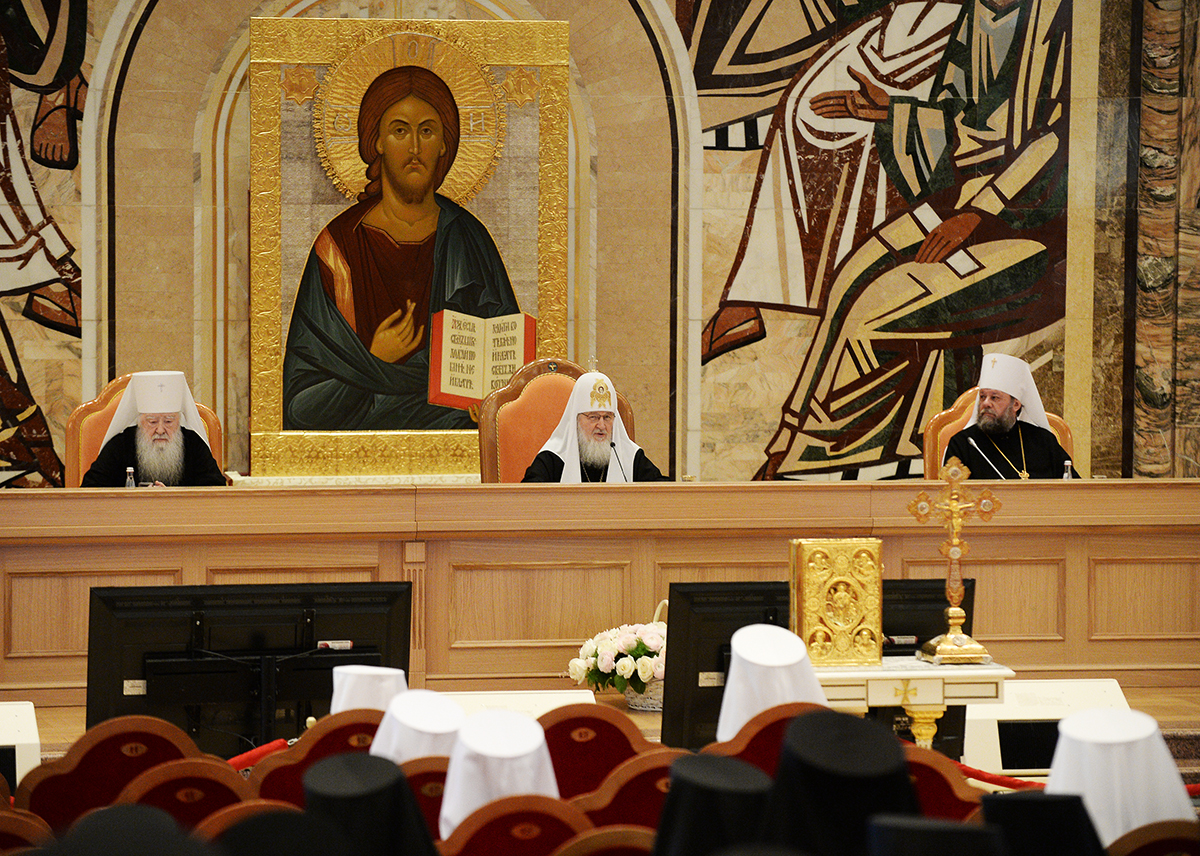 Святейший Патриарх Кирилл: страдания оказавшихся в зоне военных действий на юго-востоке Украины отзываются болью в наших сердцах