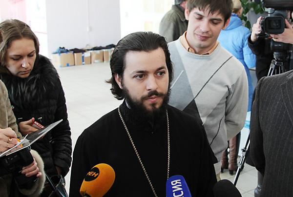 Руководитель отдела по церковной благотворительности Ростовской епархии иерей Евгений Осяк