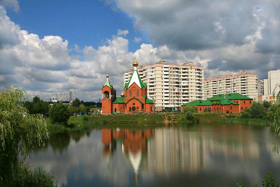 Московский храм всех святых в земле Российской просиявших в Новокосино