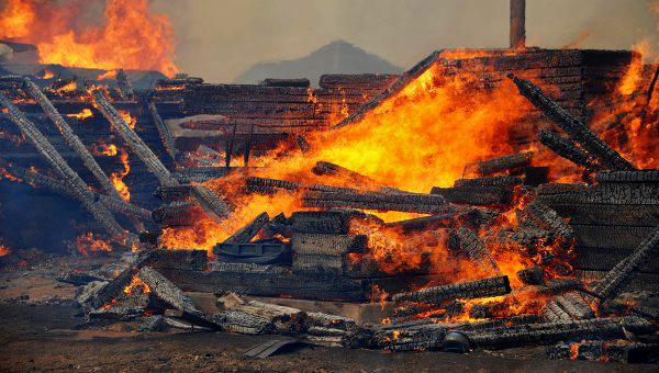 В результате лесных и степных пожаров, начавшихся в Хакасии и Забайкальском крае 12 апреля, свыше 21,6 тысячи жителей пострадали и остались без крова