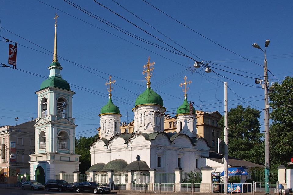 Московский храм Живоначальной Троицы в Листах будет оборудован пандусами для инвалидов-колясочников