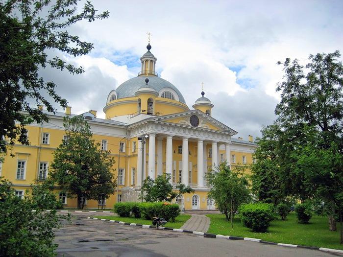 Отпевание новопреставленного младенца Артемия прошло 13 мая в храме благоверного царевича Димитрия при 1-й Градской больнице