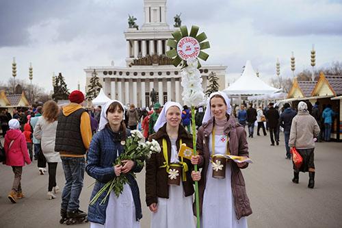 """В середине апреля """"Белый цветок"""" прошел на ВДНХ"""