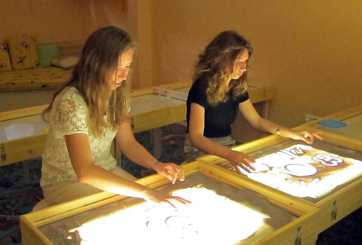 Помимо премьеры мультфильма, в рамках благотворительного вечера пройдет мастер-класс песочной анимации
