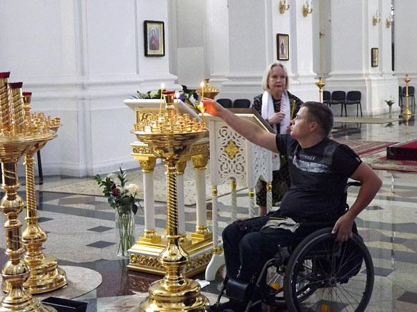 Как создать безбарьерную среду для инвалидов в храмах и монастырях?