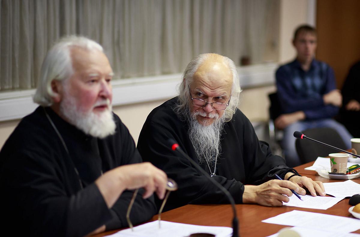 На пастырском семинаре обсудили вопросы совершения исповеди тяжелобольных и людей с инвалидностью