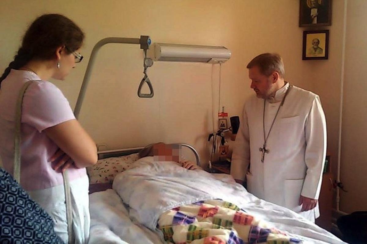 Священник в Твери организовал выездную службу помощи онкобольным