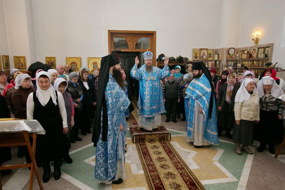 В Искитимской епархии состоялась первая Литургия с сурдопереводом