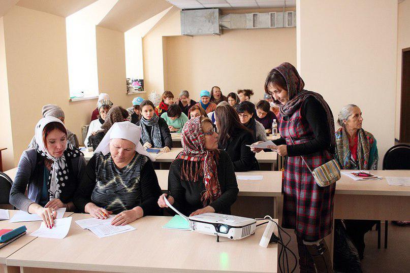 Тридцать хабаровчан окончили курсы по уходу за тяжелобольными и инвалидами