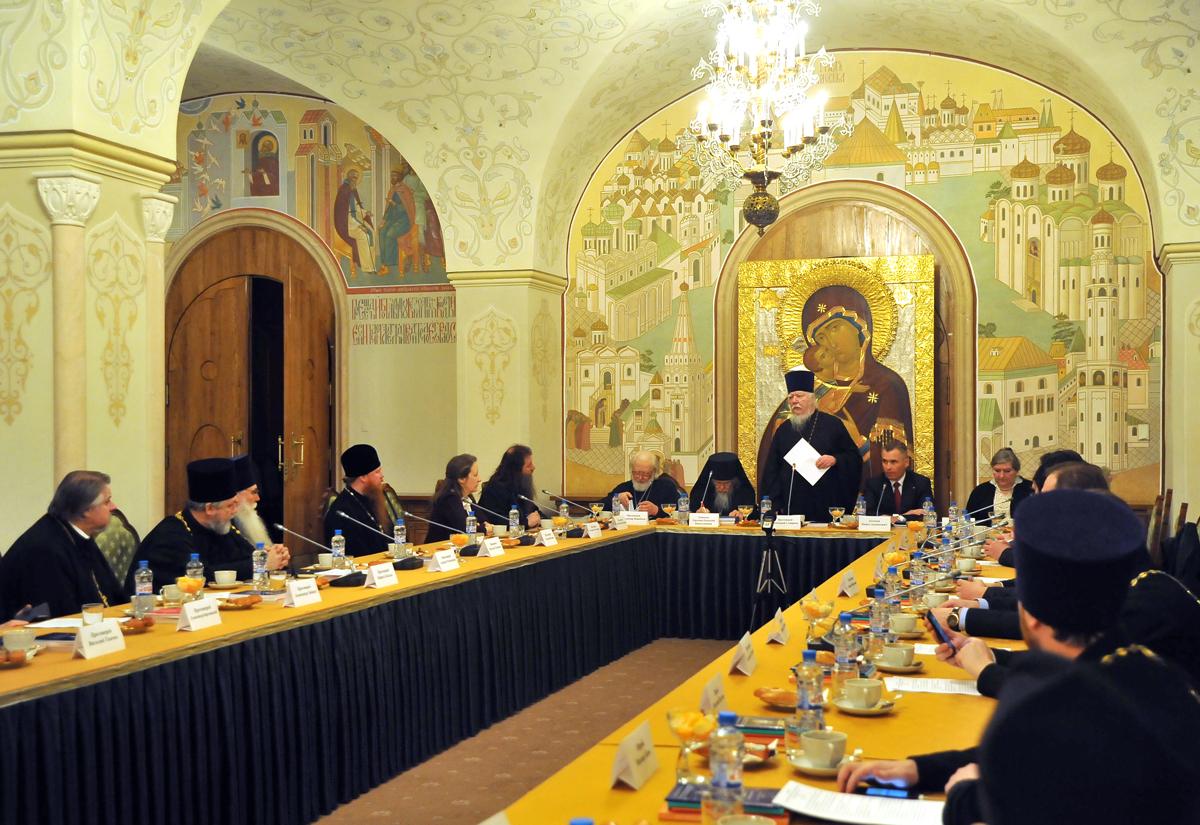 Заседание Патриаршей Комиссии по вопросам семьи, защиты материнства и детства состоялось 10 марта в Храме Христа Спасителя в Москве