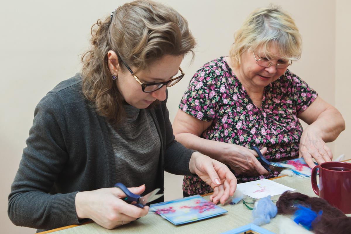 В Петрозаводске начались творческие занятия для людей с нарушениями слуха