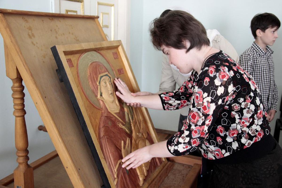 При поддержке Синодального отдела в Смоленской епархии провели круглый стол «Доступная среда»