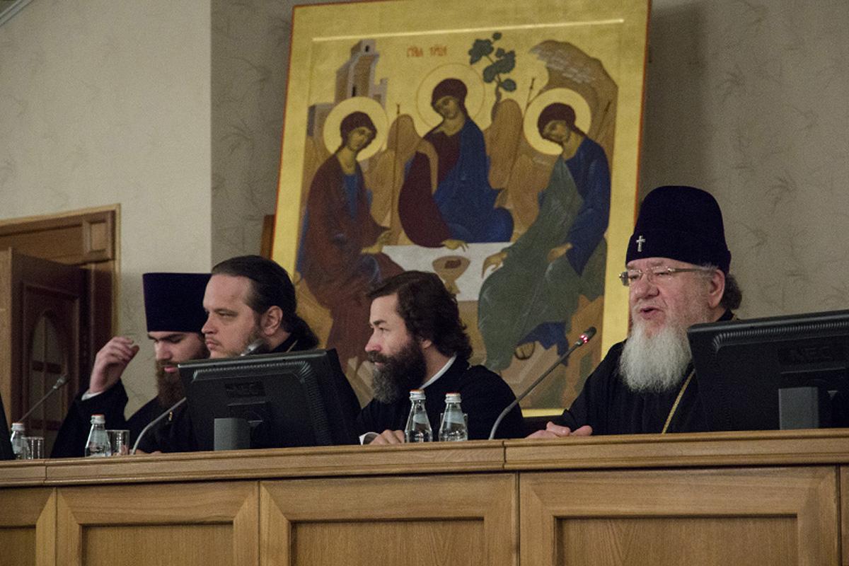 В Воронеже начался семинар по утверждению трезвости и церковной помощи алкоголезависимым