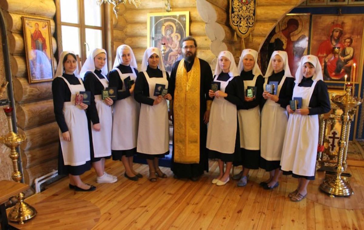 Сестры милосердия из Чебоксарской епархии получили дипломы