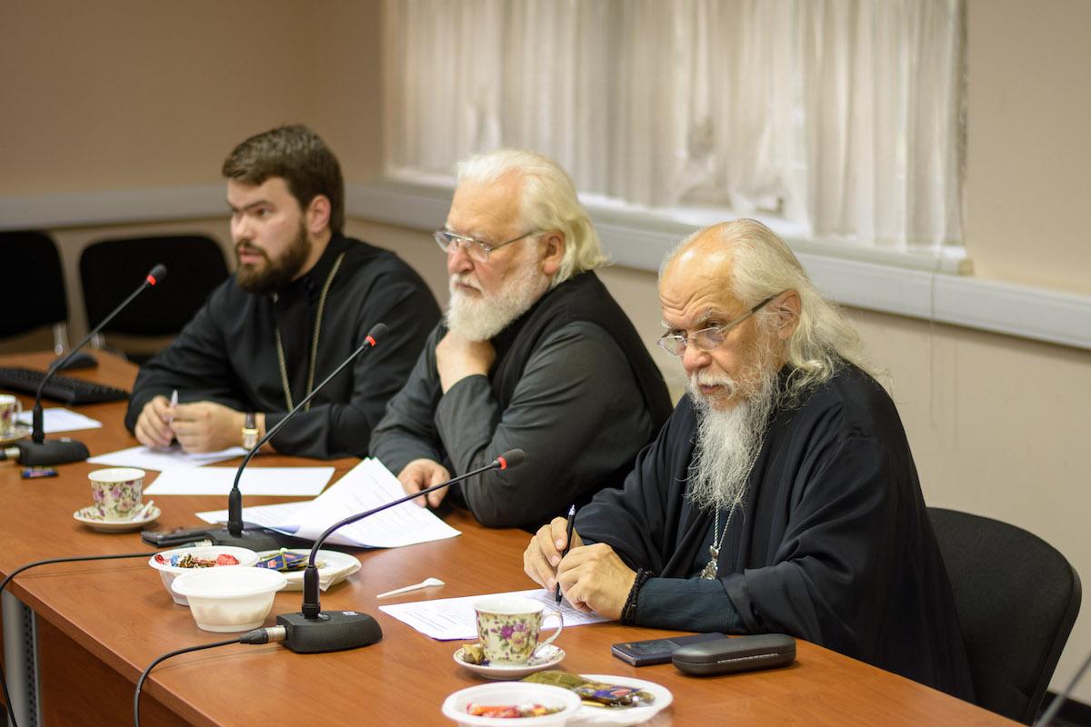 На пастырском семинаре обсудили вопросы, связанные с Таинством Венчания