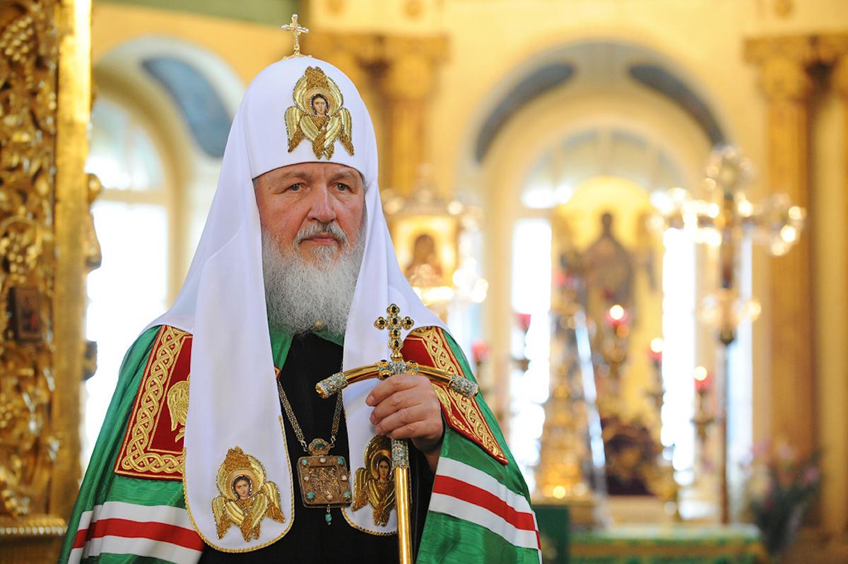 Святейший Патриарх Кирилл: «Отрадно, что при многих храмах действуют службы помощи людям, зависимым от алкоголя и наркотиков»