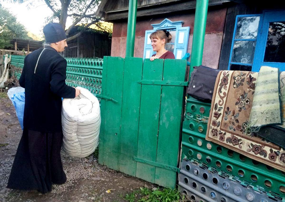 Синодальный отдел перевел епархиям в зоне наводнения еще 176 тысяч рублей