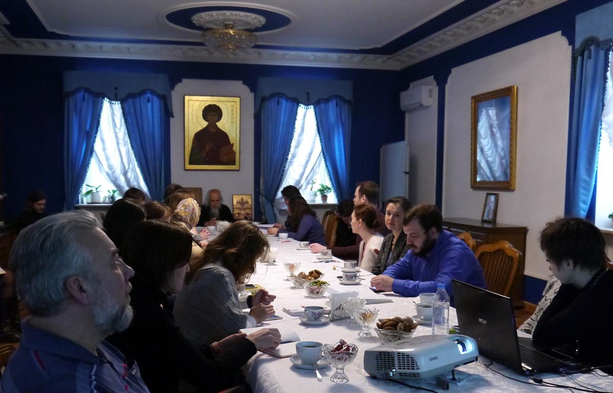 В Синодальном отделе по благотворительности обсудили, как организовать приходское социальное служение в селах