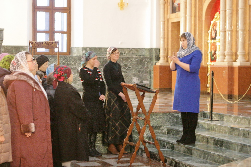 Перевод богослужения на жестовый язык в кафедральном соборе Йошкар-Олы