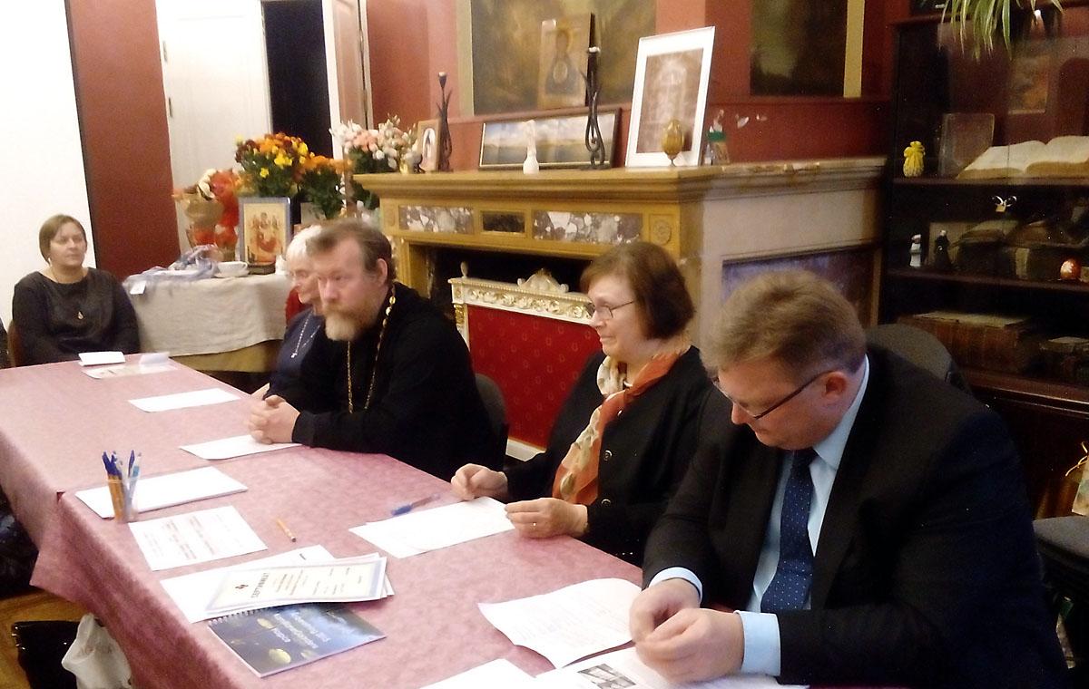 Состояние паллиативной помощи в России обсудили на круглом столе в Москве
