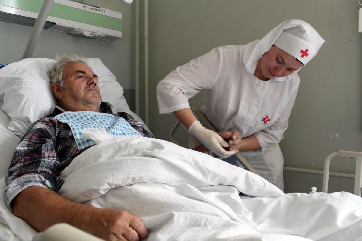 В службе «Милосердие» бесплатно обучат уходу за тяжелобольными