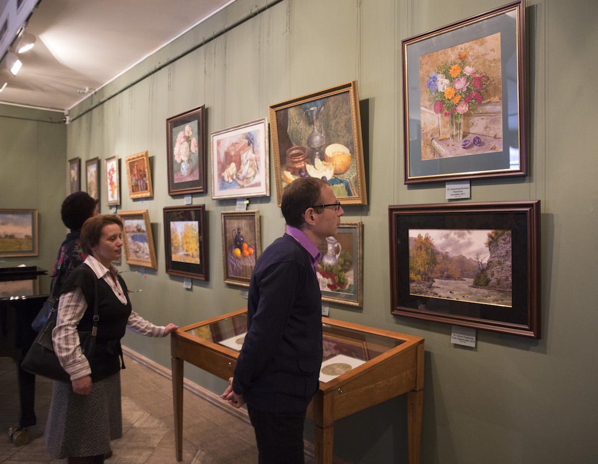 Более 4 миллионов рублей собрали на благотворительной выставке Сергея Андрияки в поддержку церковной больницы