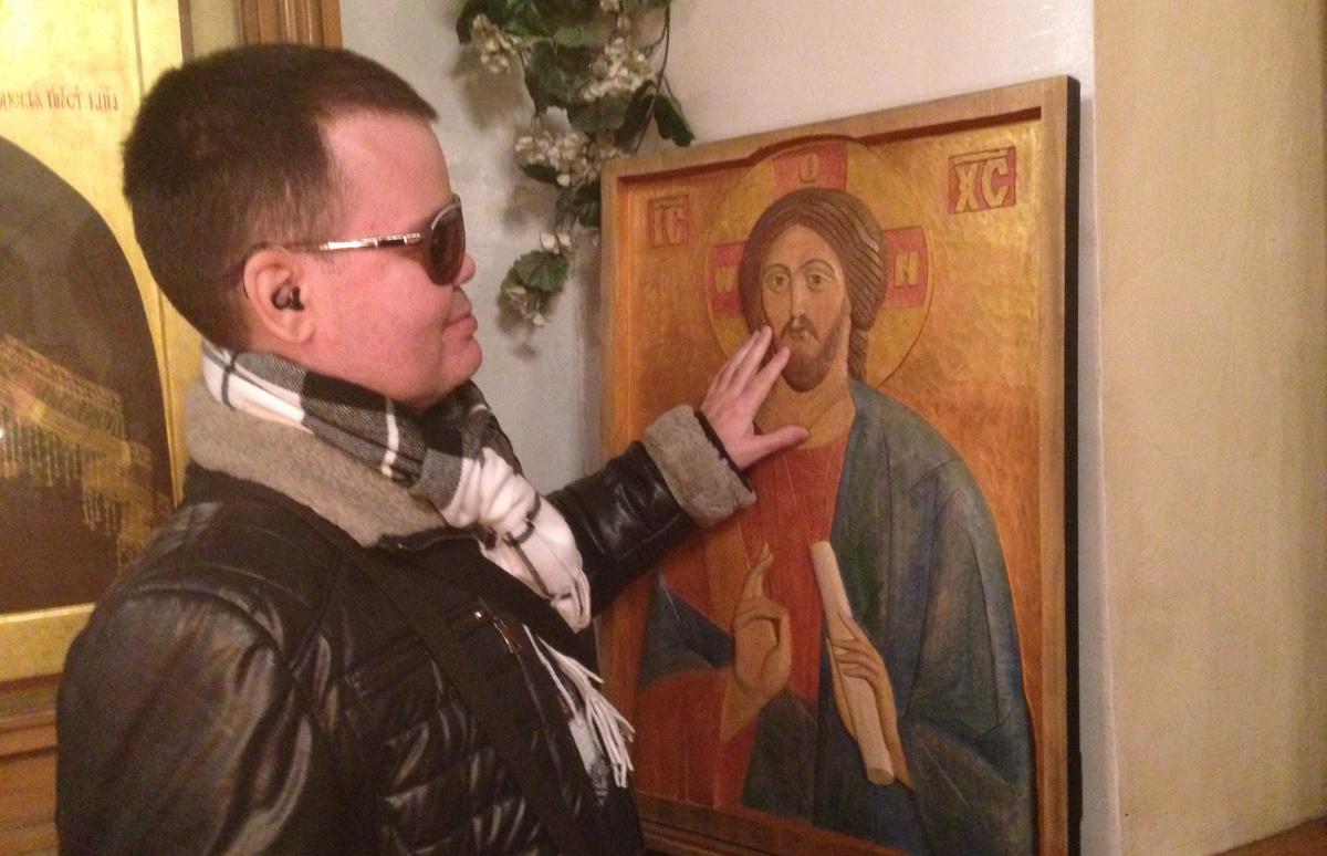 В московском храме появилась тактильная икона для слепых и слабовидящих прихожан