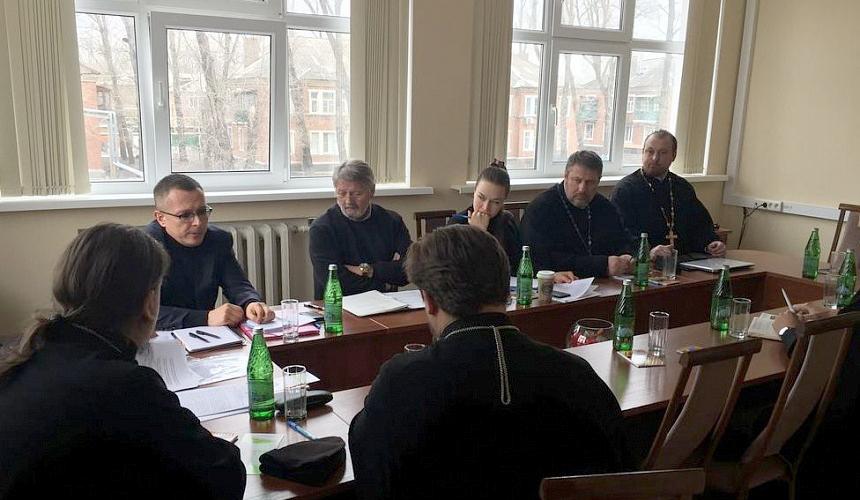 В Шахтинской епархии обсудили подготовку международной программы помощи мирному населению юго-востока Украины