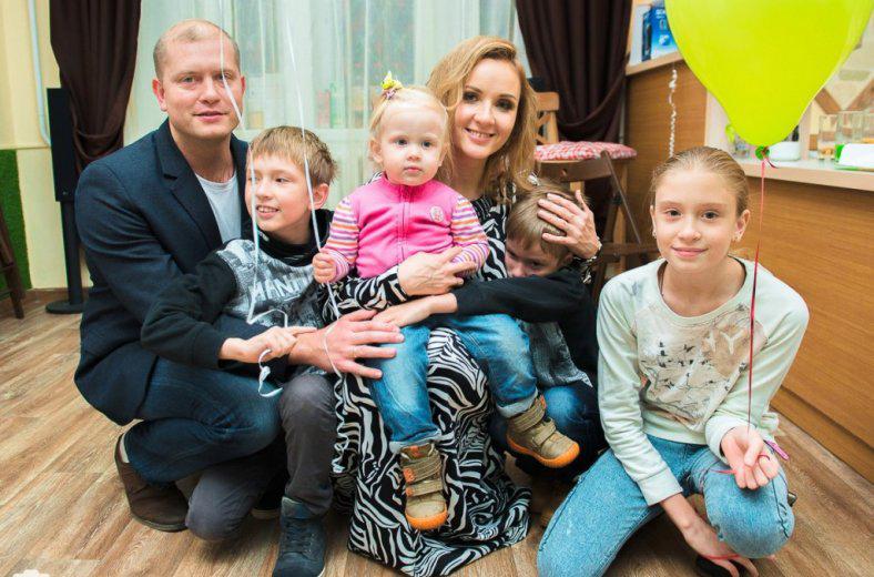 Мария Львова-Белова с семьей. Фото: Гаяне Авдалян /АСИ-Пенза/