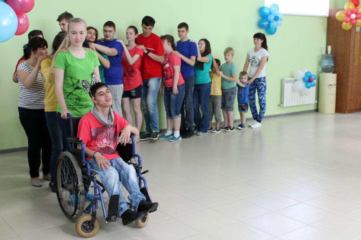 Работа форума завершилась презентацией первого в регионе инклюзивного арт-проекта «Я рисую доброту»