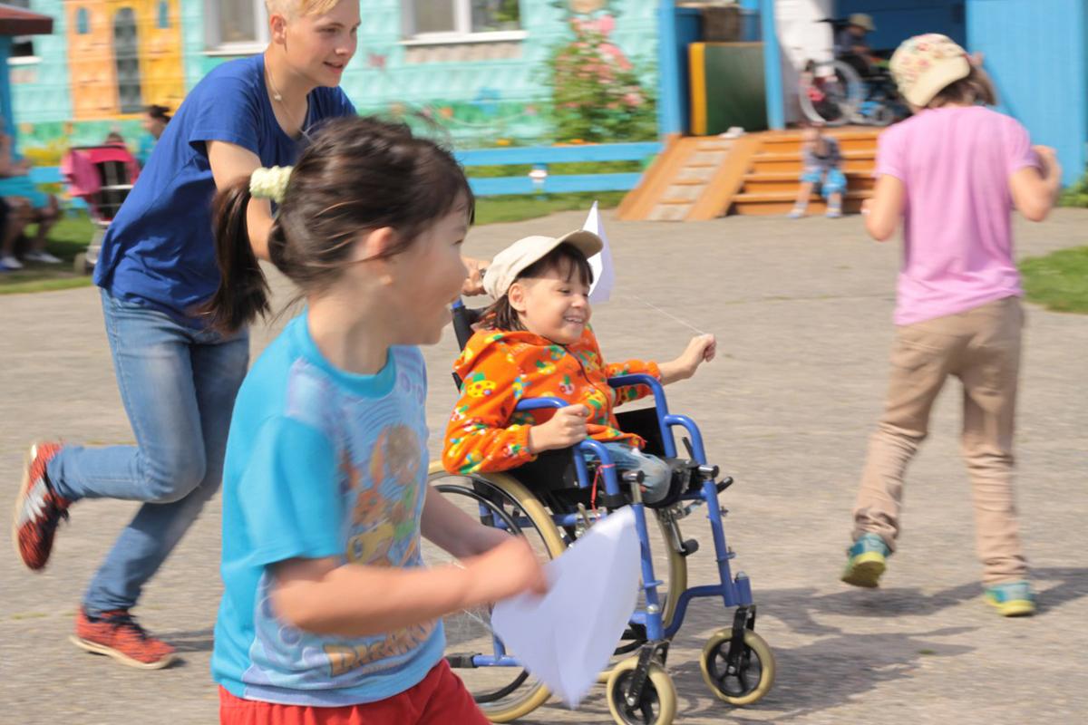 Добровольцы из Колпашевской епархии организовали развивающие занятия для детей-инвалидов
