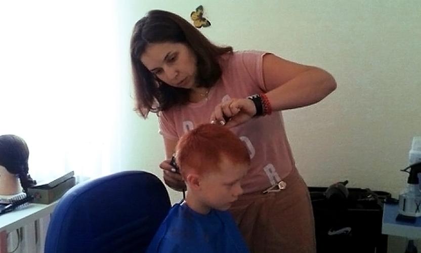 В Шахтинской епархии открыли благотворительную парикмахерскую для многодетных