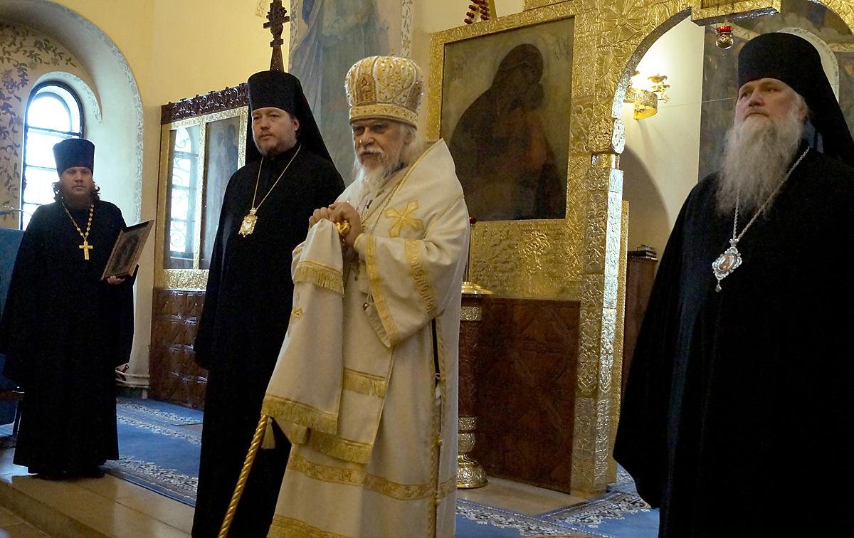 На фото: епископы Златоустовский и Саткинский Викентий, Орехово-Зуевский Пантелеимон и Глазовский и Игринский Виктор