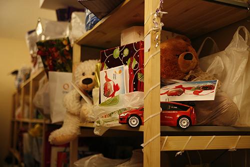 Более 20 тысяч подарков для нуждающихся собрали в службе «Милосердие» на Рождество