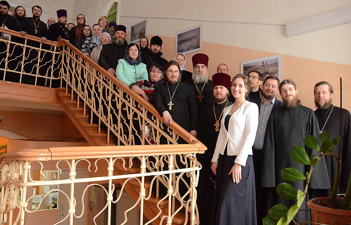 Синодальный отдел провел обучающий семинар для социальных работников Великолукской епархии