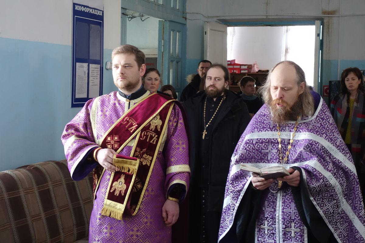 Церковь открыла второй центр гуманитарной помощи в Отрадненской епархии