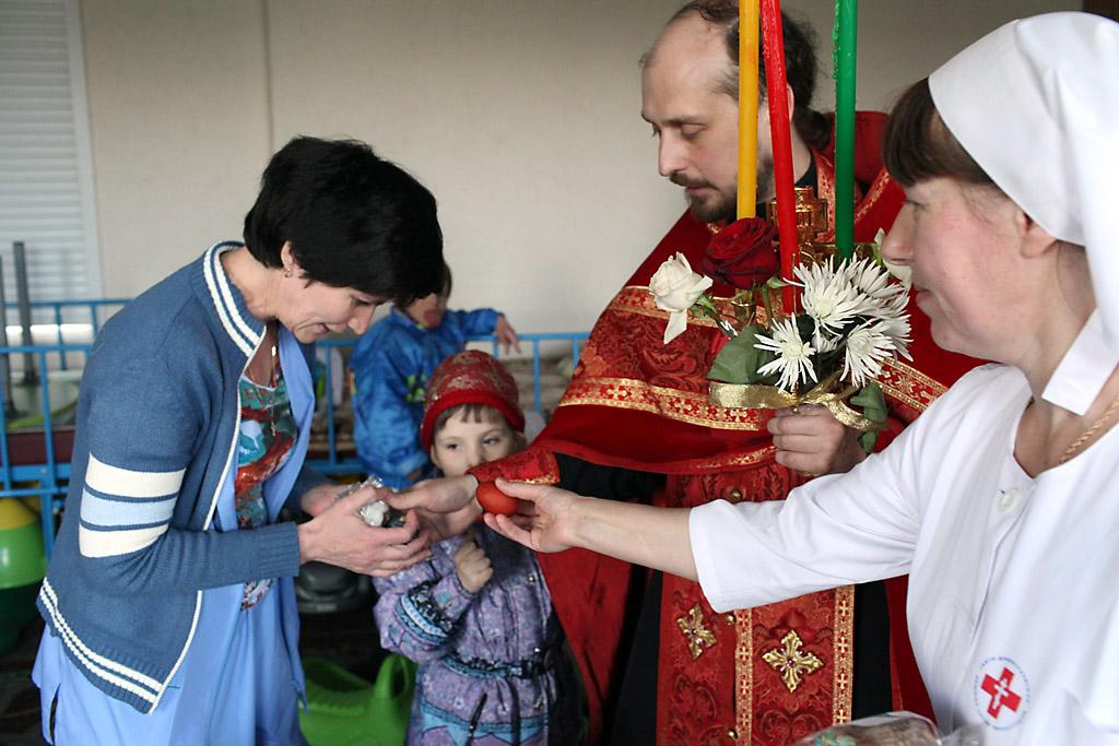 Православная служба помощи «Милосердие» поздравит с Пасхой более 14 тысяч нуждающихся
