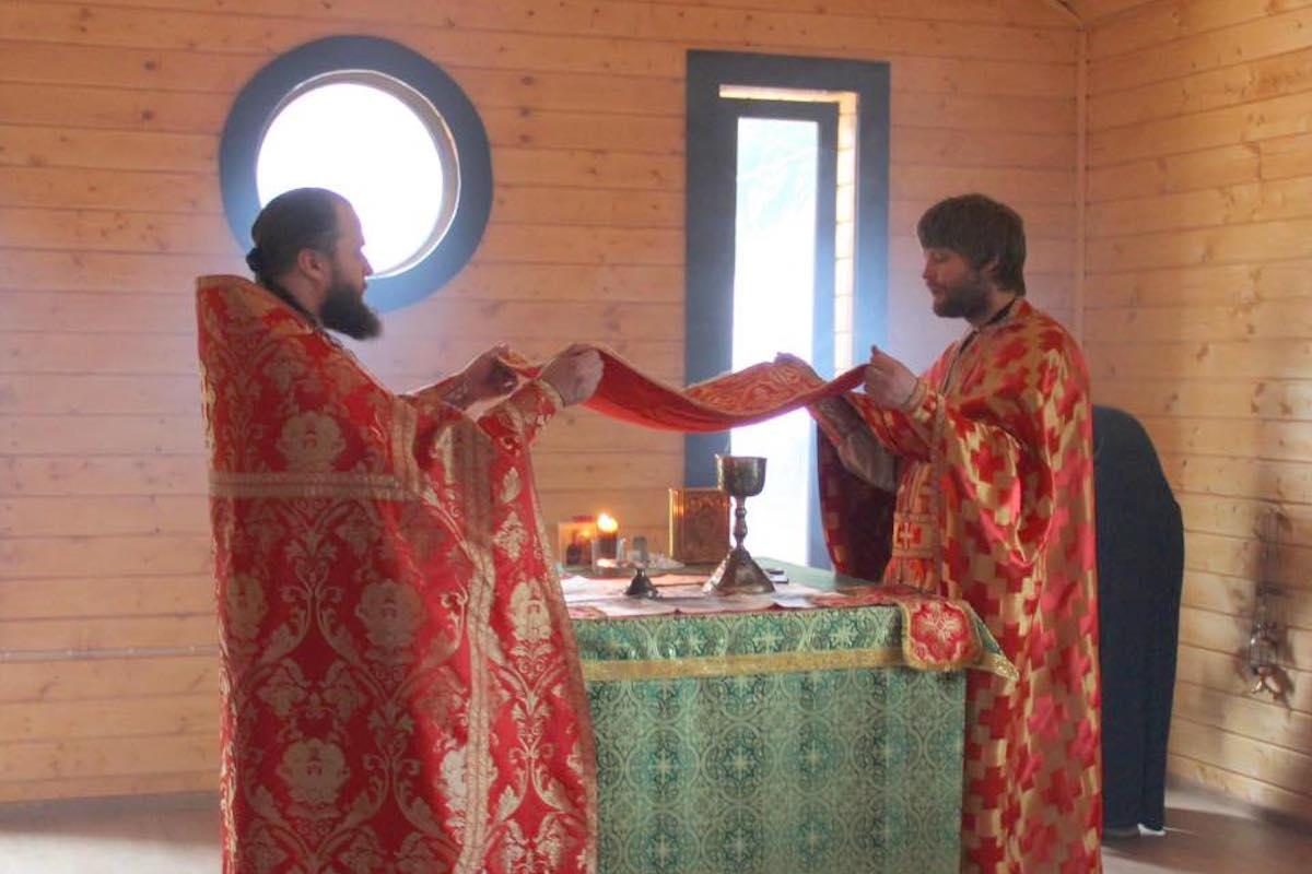 Первая Божественная Литургия в храме в честь преподобномученика Моисея Мурина