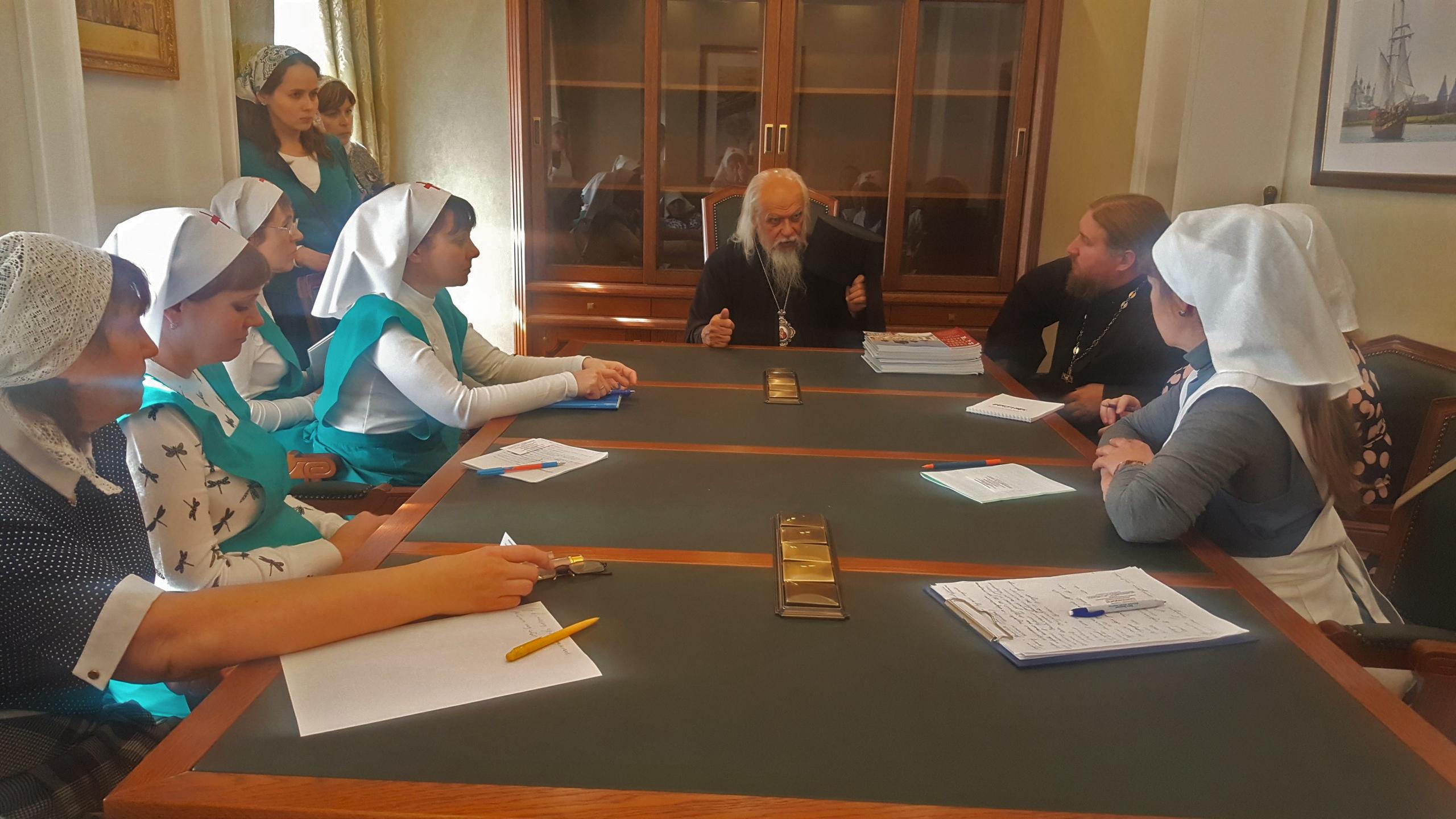 Епископ Орехово-Зуевский Пантелеимон на встрече с сестрами милосердия Югорской епархии