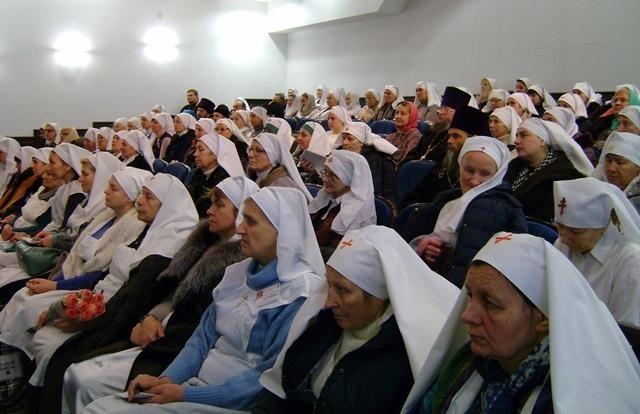 Торжественное награждение знаками отличия сестер милосердия