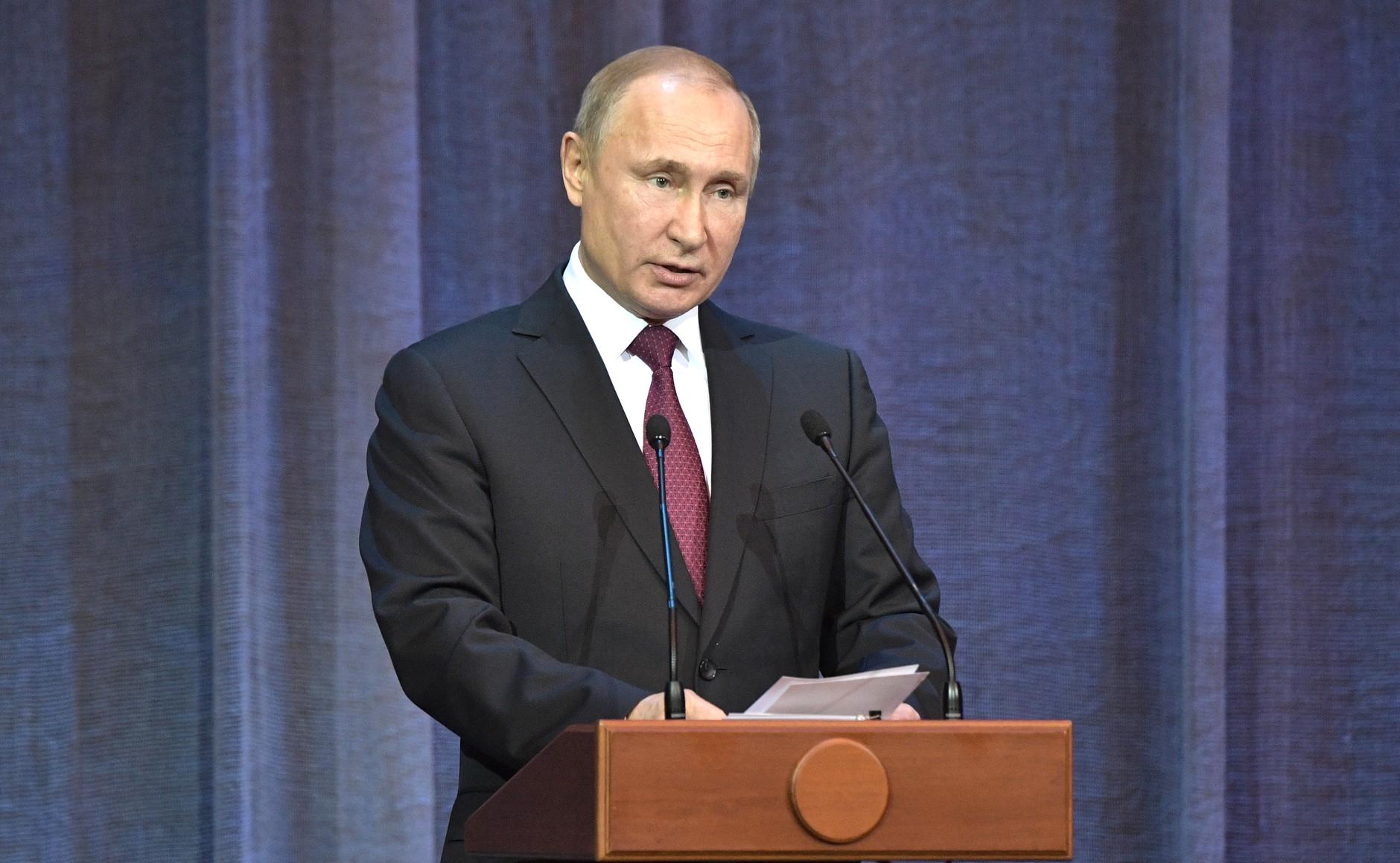 Президент России: Церковь всегда там, где трудно, всегда с людьми, которые попали в беду
