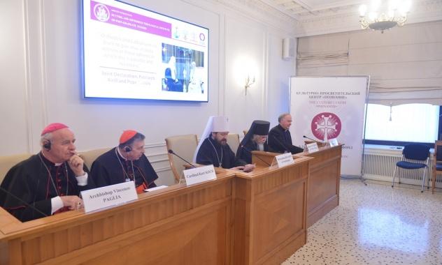 Православные и католики обсудили биомедицинские технологии и проблему эвтаназии