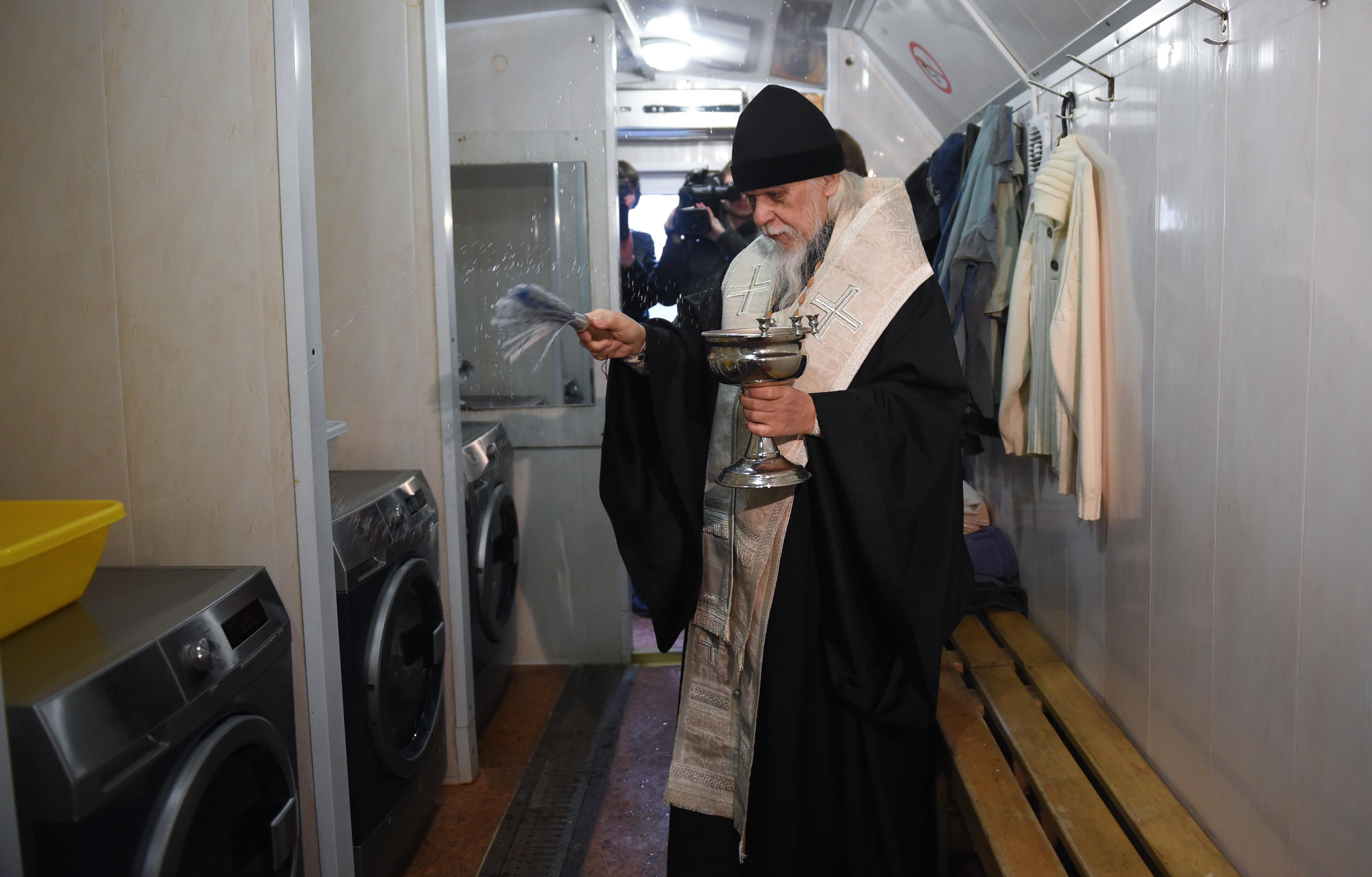 В столичном «Ангаре спасения» заработала прачечная для бездомных